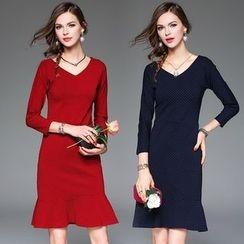 Queen Mulock - Long-Sleeve Dotted Dress