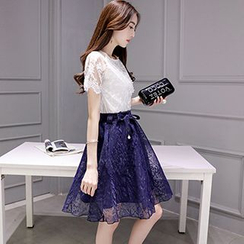 Romantica - Set: Lace Top + Tie-Waist Skirt