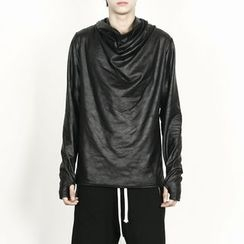 Rememberclick - Glossy Turtle-Neck T-Shirt