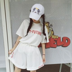 Cerauno - Set: Lettering Elbow-Sleeve T-Shirt + Wide Leg Shorts