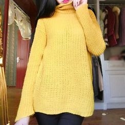 Queen Bee - Turtleneck Knit Top