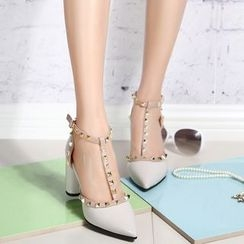 Yoflap - Studded Pointy Pumps