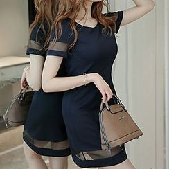 Q.C.T - Short-Sleeved Mini Dress
