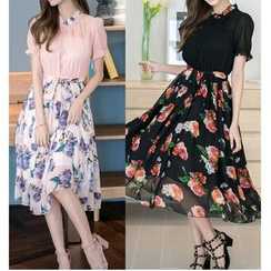 Dowisi - Floral Print Short-Sleeve Chiffon Dress