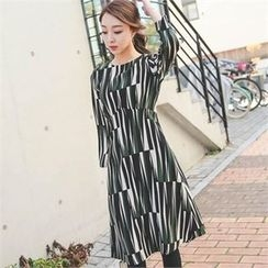 ode' - Patterned A-Line Dress