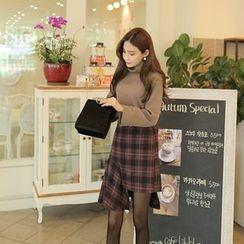 Cherryville - Asymmetric-Hem Check Mini Skirt