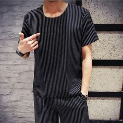 Hawoo - Set: Striped T-Shirt + Shorts