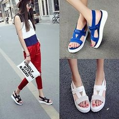 Mancienne - Faux-Leather Platform Sandals