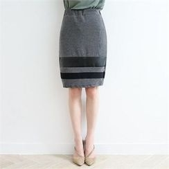 GLAM12 - Color-Block Band-Waist Skirt