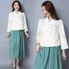 Diosa - Embroidered Chinese Top