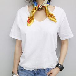 NANING9 - V-Neck T-Shirt