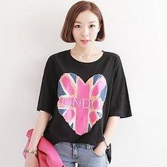 Classic Lady - Heart Print Elbow-Sleeve T-Shirt