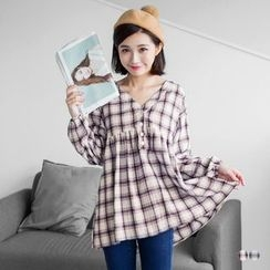 OrangeBear - V-neck Button-Up Plaid Top