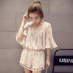Shimi - Set : Floral Print Bell-Sleeve Chiffon Top + Shorts