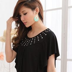 RingBear - Ruffled Studded Top