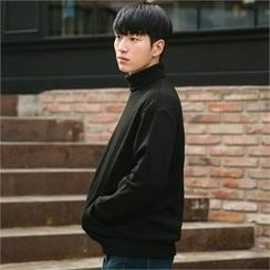 STYLEMAN - Fleece-Lined Turtle-Neck T-Shirt