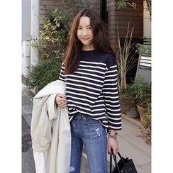 maybe-baby - Round-Neck Stripe T-Shirt