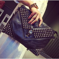 Yiku - Genuine Leather Studded Skull Clutch