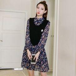 lilygirl - 套装: 碎花长袖雪纺连衣裙 + 针织马甲连胸针