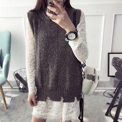 Qimi - Set: Lace Long-Sleeve Dress + Knit Vest