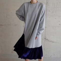 Jolly Club - Long-Sleeve Ruffle Dress