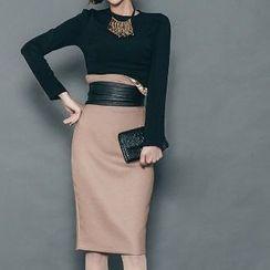Yilda - Set: Long-Sleeve Top + Pencil Skirt