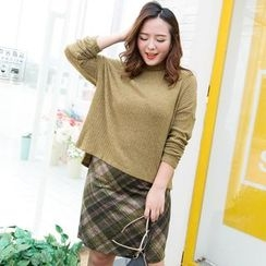 Amizi - Set: Knit Pullover + Plaid Skirt