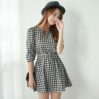 Envy Look - 3/4-Sleeve Gingham Tunic with Belt