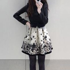 Fancy Show - Long-Sleeve Printed Hem Dress