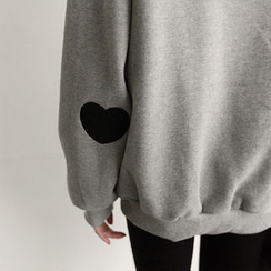 NIPONJJUYA - Heart Applique  Sweatshirt