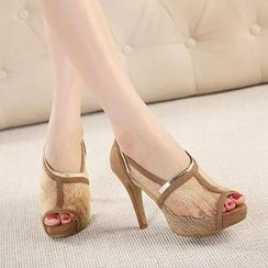 Mancienne - Peep-Toe Lace Metal-Trim Stilettos