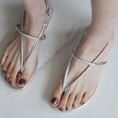 STYLEBYYAM - Strappy Flat Sandals