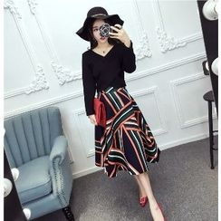 Romantica - Set: Cropped Wrapped Top + Patterned A-Line Skirt