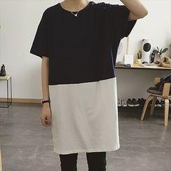 Moon City - Short-Sleeve Color Block T-Shirt Dress
