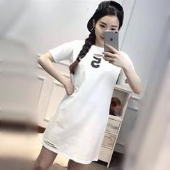 Champi - Cutout Number Short-Sleeve T-Shirt Dress