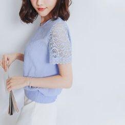 東京著衣 - 短袖蕾絲拼接上衣