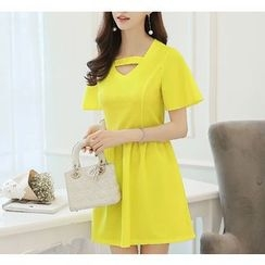 Q.C.T - Cutout Short-Sleeve A-Line Dress