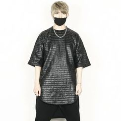 Remember Click - Faux-Leather Patterned T-Shirt