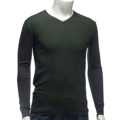YesStyle M - V-Neck Two-Tone Knit Top