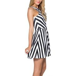 Omifa - Sleeveless Striped A-Line Dress