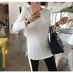 Miamasvin - Round-Neck Slit-Hem T-Shirt
