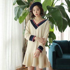 WITH IPUN - Ruffled-Hem Contrast-Trim Dress