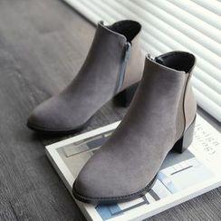 缤纷女鞋 - 粗跟及踝靴