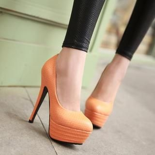 77Queen - Platform Textured Pumps