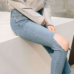 chuu - Cutout Distressed Washed Skinny Jeans