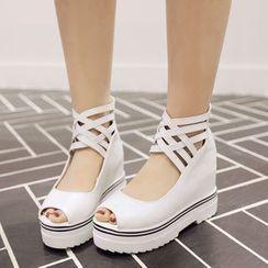 Shoes Galore - Lattice Peep-toe Platform Shoes