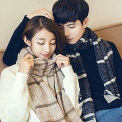 Fireon - Couple Matching Striped Knit Scarf
