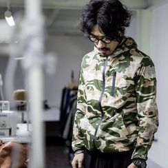 YIDESIMPLE - Camo Hooded Light Jacket
