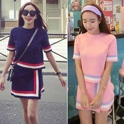 Shimi - Set: Striped Short Sleeve Knit Top + Mini Knit Skirt