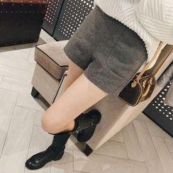 Karnel - High Waist Shorts
